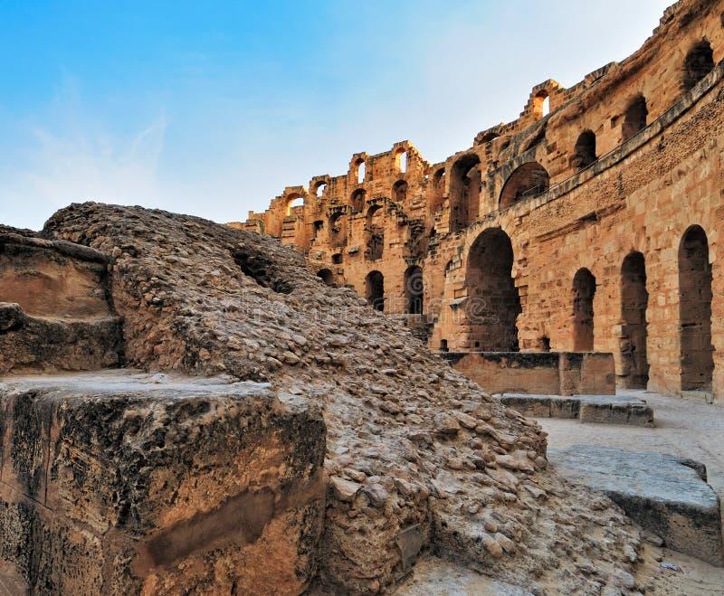 jem d'EL d'amphitheatre romain images libres de droits