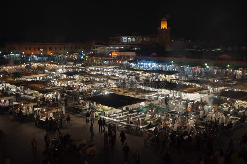 Jemaa elFnaa正方形在晚上,马拉喀什 免版税库存照片