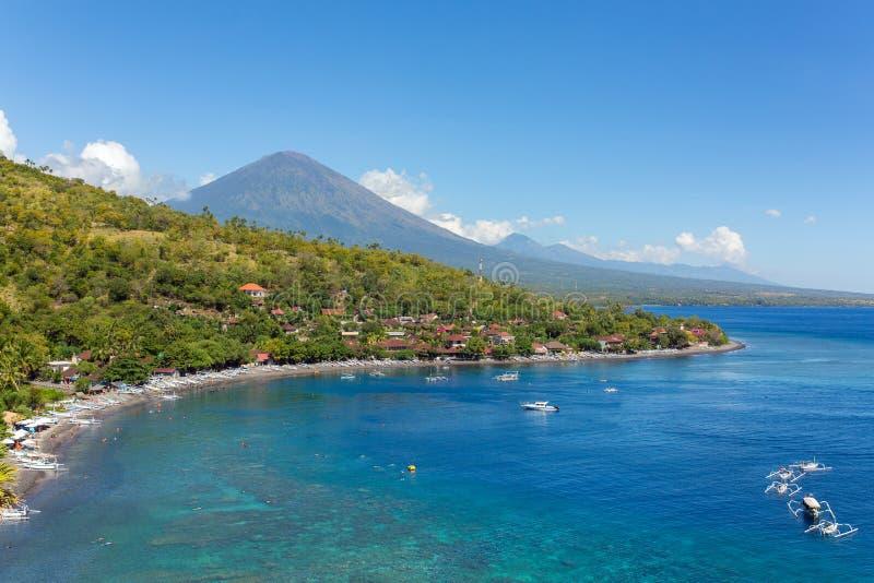 Jemeluk plaża i piękna błękitna laguna w Bali obraz stock