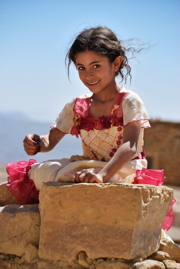 Jemenitisk liten flicka yemen arkivbild
