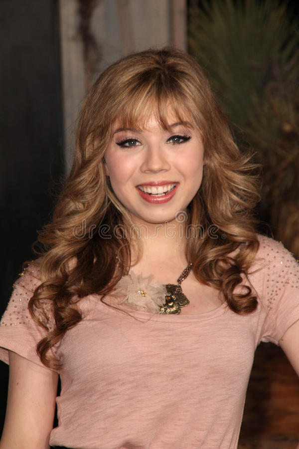 """Jennette McCurdy an der Premiere """"Rango"""" Los Angeles, Dorf-Theater, Westwood, CA 02-14-1 stockfotos"""