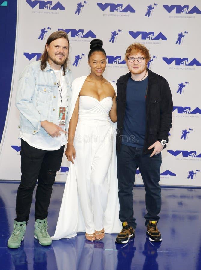 Jennie Pegouskie et Ed Sheeran images libres de droits