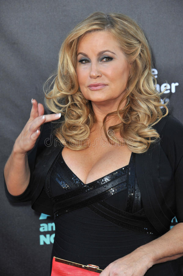 jennifer coolidge very young