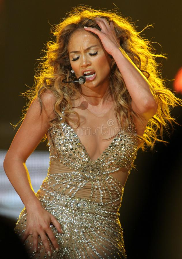 Jennifer Lopez esegue di concerto immagine stock