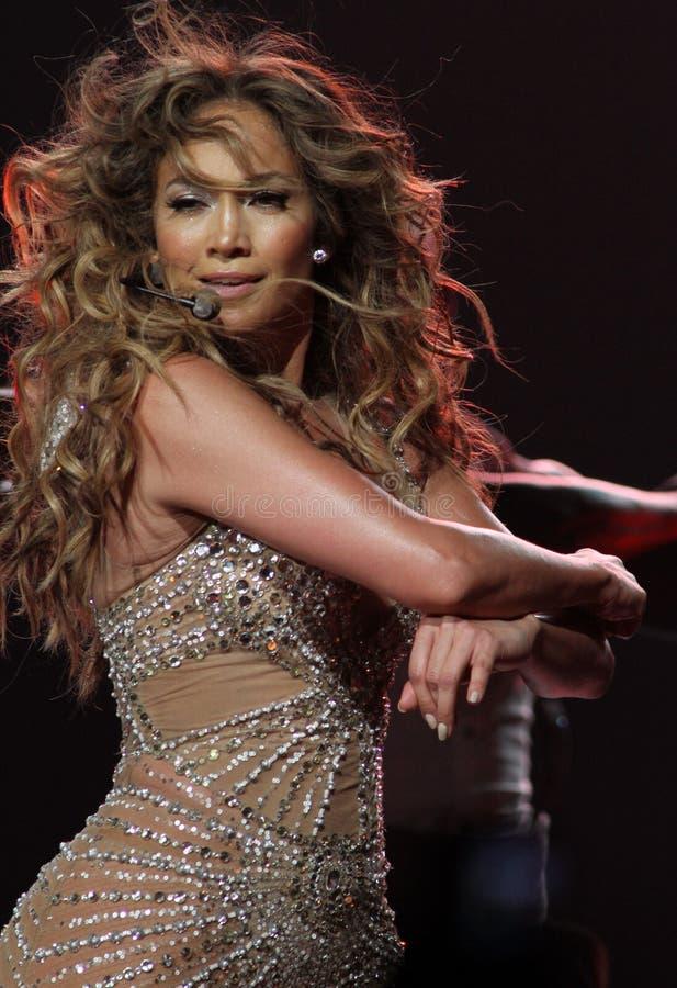 Jennifer Lopez führt im Konzert durch stockfotos