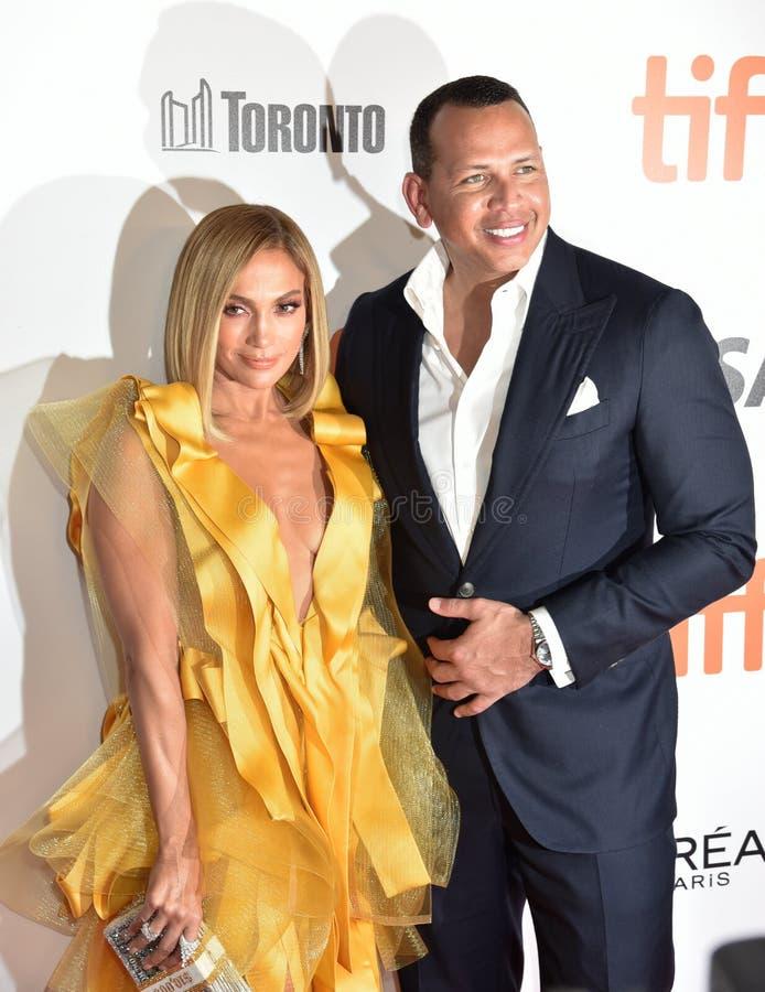 Jennifer Lopez und der Verleger Alex Rodriguez anlässlich der Premiere von Hustlers beim Internationalen Filmfestival in Toronto  lizenzfreies stockbild