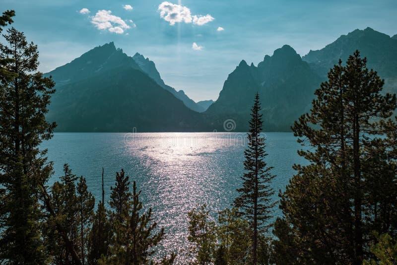 Jenny Lake und das Tetons, Wyoming stockbilder