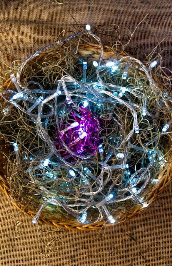 Jerarquía del heno y luces de la Navidad nativas imagen de archivo
