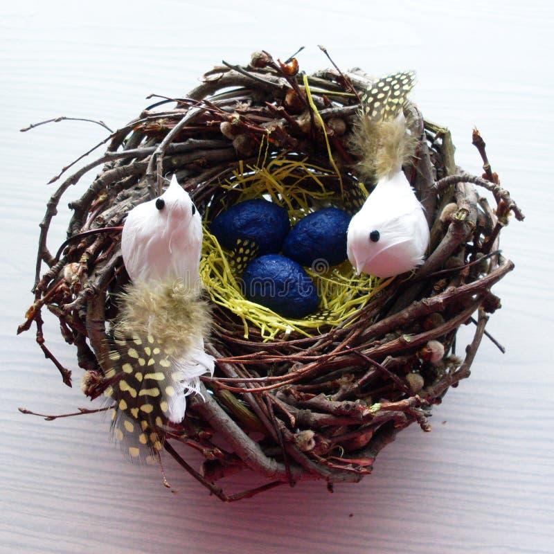 Download Jerarquía Hecha A Mano Decorativa Con Dos Pájaros Foto de archivo - Imagen de decoración, concepto: 64208838