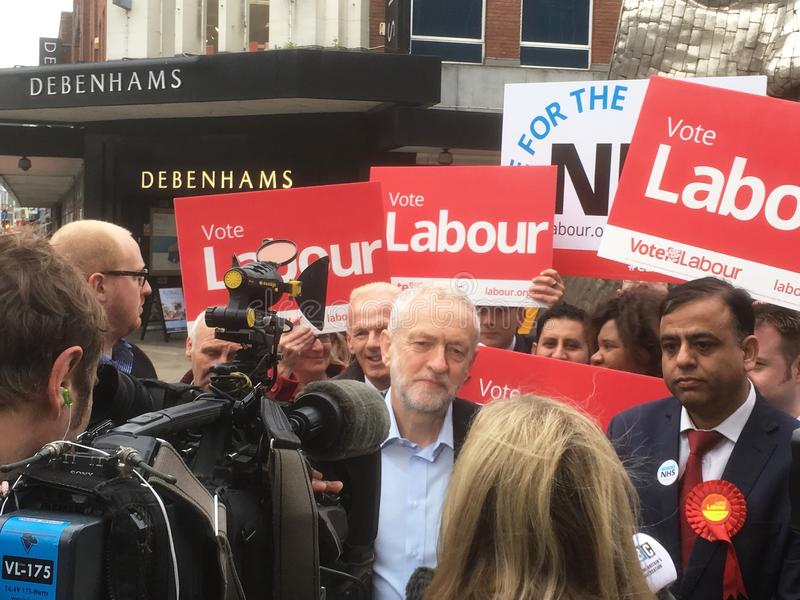 Jeremy Corbyn Labour, i Bedford 3rd May, 2017 royaltyfria bilder