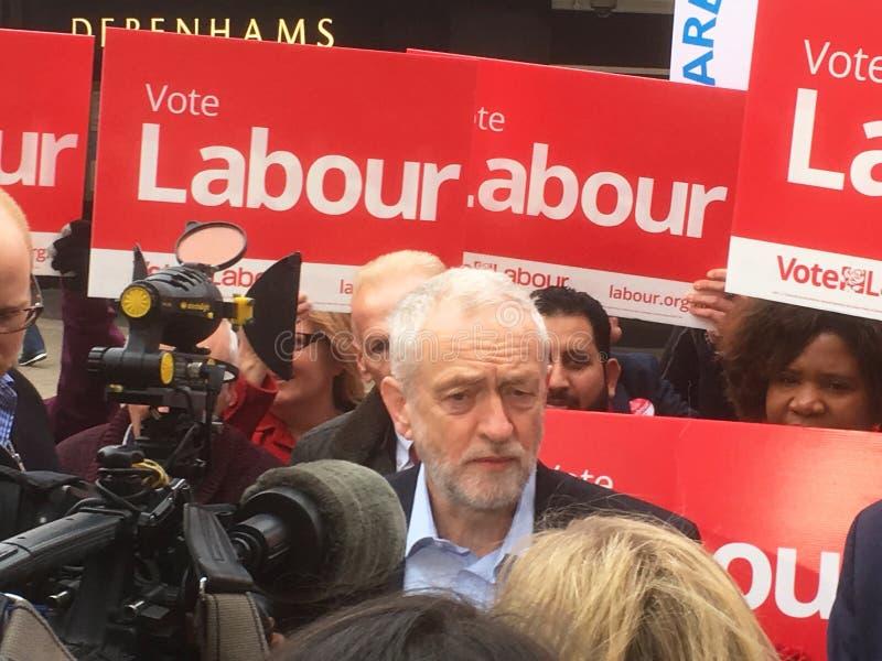 Jeremy Corbyn, trabajo, en Bedford el 3 de mayo de 2017 imagen de archivo