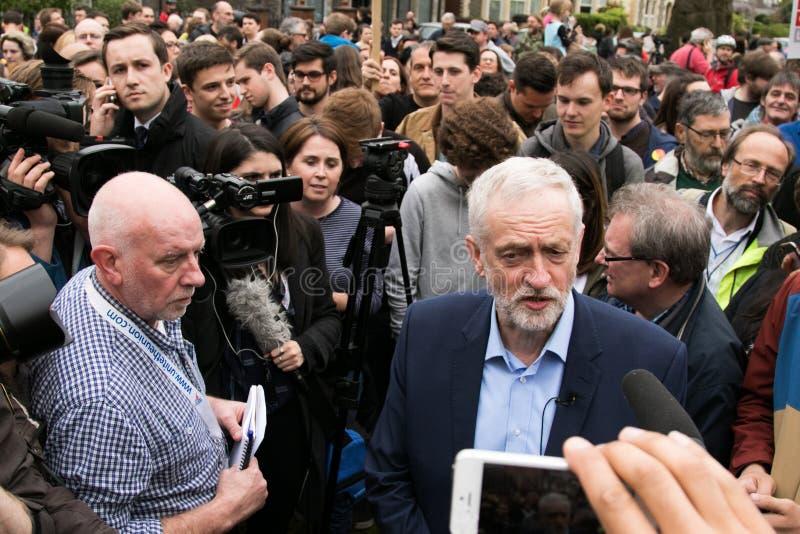 Jeremy Corbyn visita a terra comum de Whitchurch, Cardiff, Gales do Sul, Reino Unido fotografia de stock royalty free