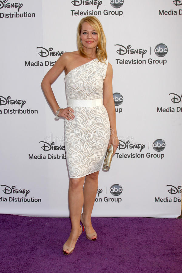 Jeri Ryan llega el International Upfronts del ABC/de Disney imagenes de archivo