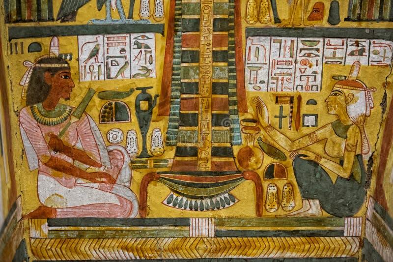 Jeroglíficos de Egipto en el valle de reyes fotografía de archivo