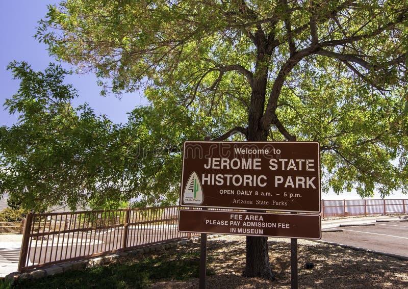 Jerome, o Arizona, EUA 04/22/2019 do sinal à entrada de Jerome Historic State Park imagens de stock