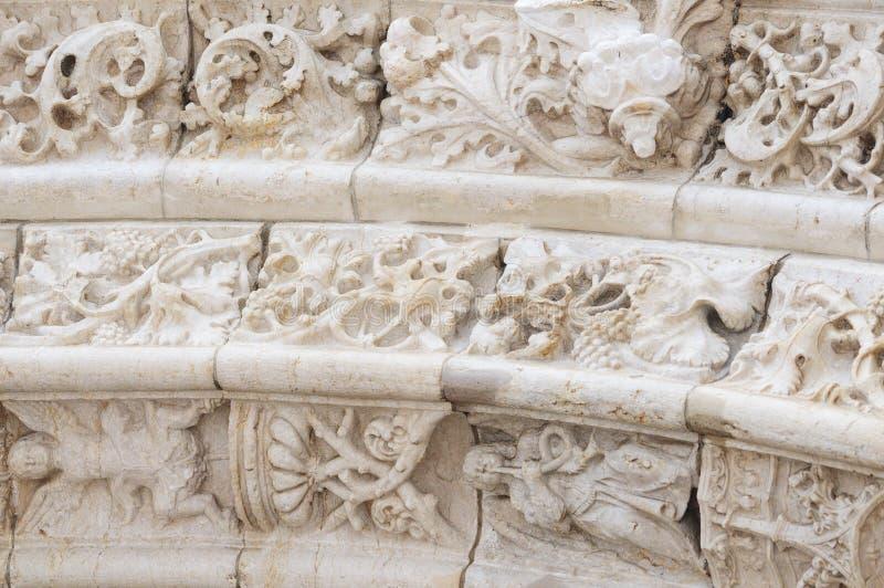 Jeronimos修道院外部细节在贝拉母,里斯本,葡萄牙 Manueline样式 联合国科教文组织世界遗产名录 免版税库存照片