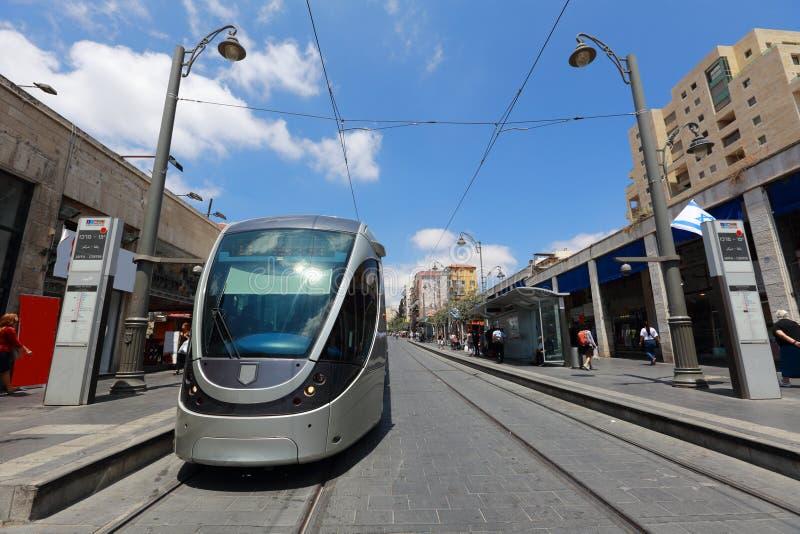 Jerozolima światła poręcza tramwajowa przerwa i centrala przystanek autobusowy na Jaffa ulicie, Jerozolima, Izrael (taborowa) fotografia stock