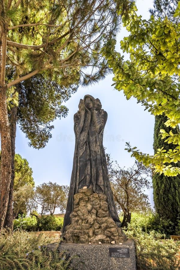 Jerozolimski Izrael 14th Yad-Vashem Wrzesień 2017 holokausta muzeum w rzeźba ogródzie Rzeźba darująca i robić Leah Mi fotografia royalty free