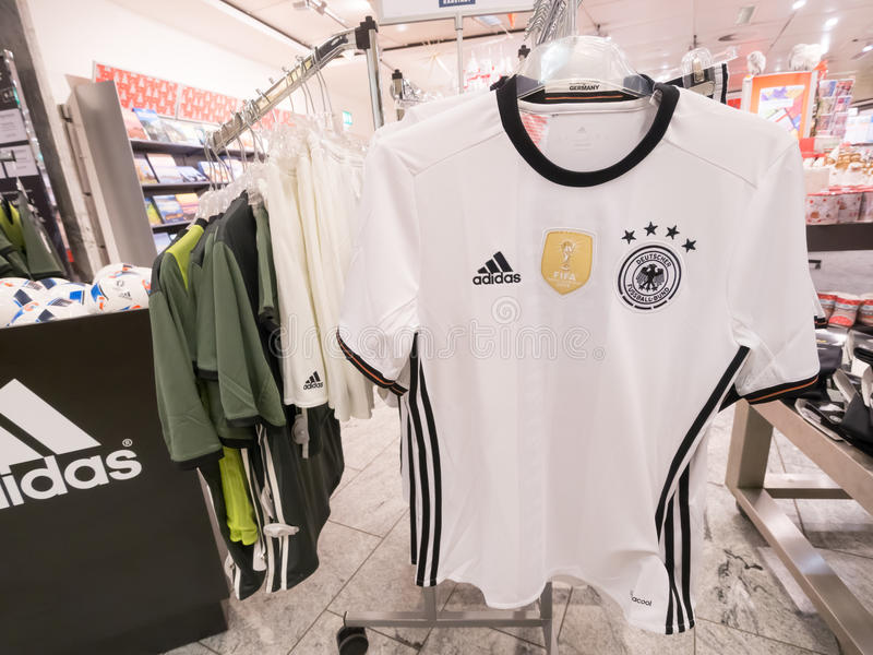 Jersey di Adidas del tedesco fotografia stock
