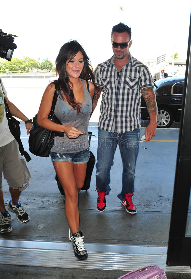 Download Jersey Shore Girl Jwoww With Boyfriend At LAX Editorial Stock Photo - Image of celebrity, hair: 22020503