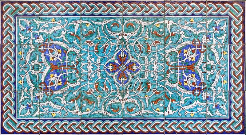 Jerusalém - a decoração telhada no vestíbulo da catedral do St James Armenian de um fim de 19 centavo fotos de stock
