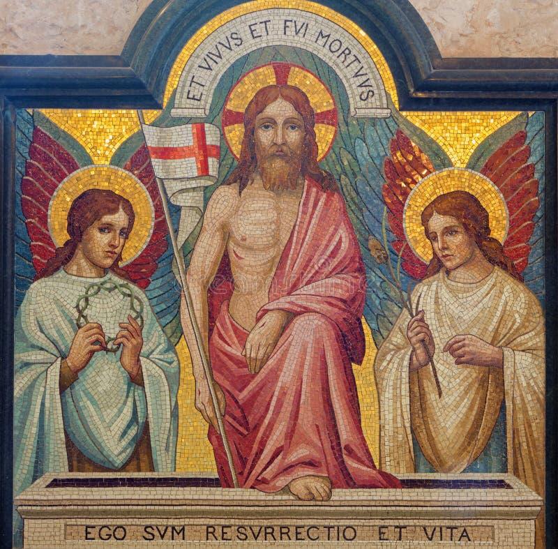 Jerusalém - o mosaico da ressurreição de Jesus na igreja de anglicanos de St George de um fim de 19 centavo imagem de stock royalty free