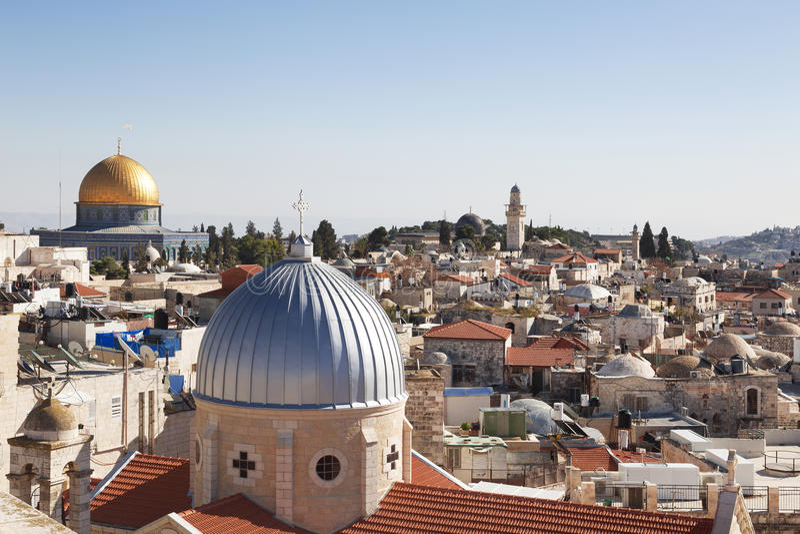 Jerusalém panorâmico para telhar a ideia de lugares sagrados fotografia de stock