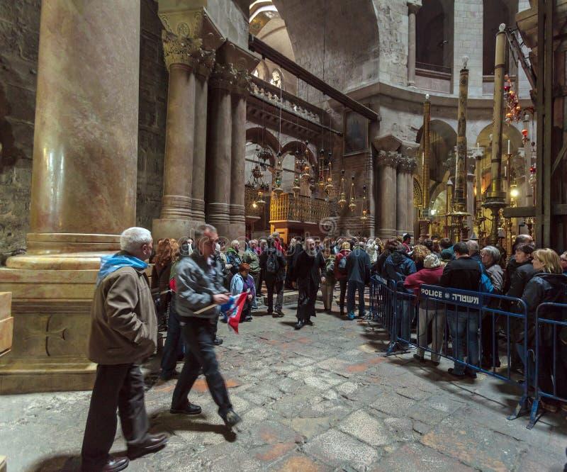 JERUSALÉN, ISRAEL - 16 DE FEBRERO DE 2013: Turistas que esperan en filas foto de archivo