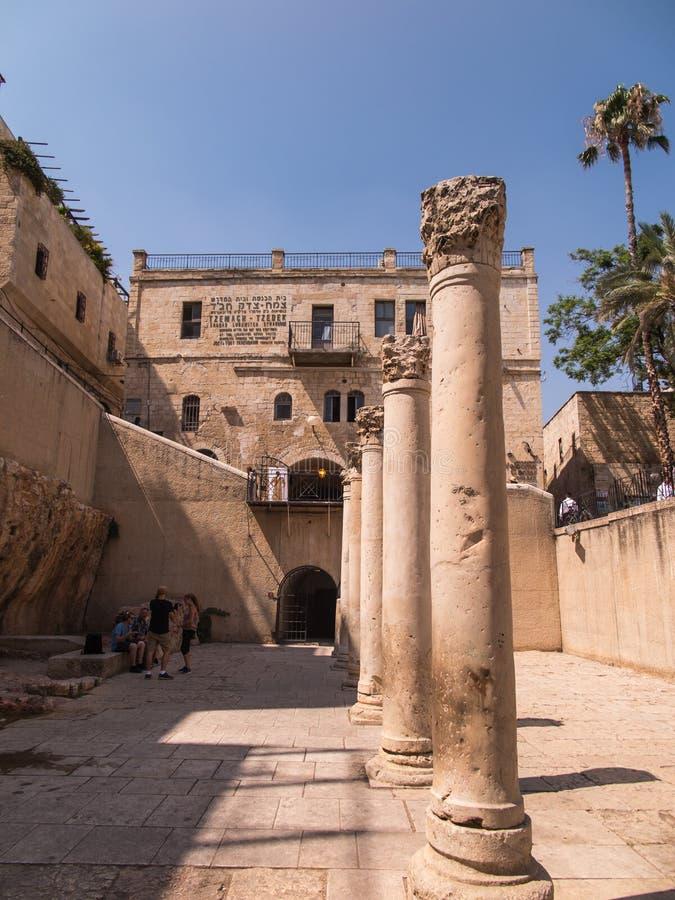 JERUSALÉN, ISRAEL - JULI 13, 2015: Cardo Maximus, Roman Pillars fotografía de archivo libre de regalías