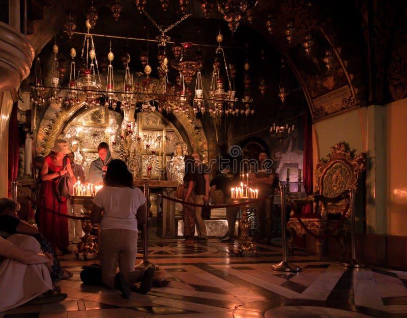 JERUSALÉN - Juli 15: La iglesia de Santo Sepulcro coloque el SE fotografía de archivo