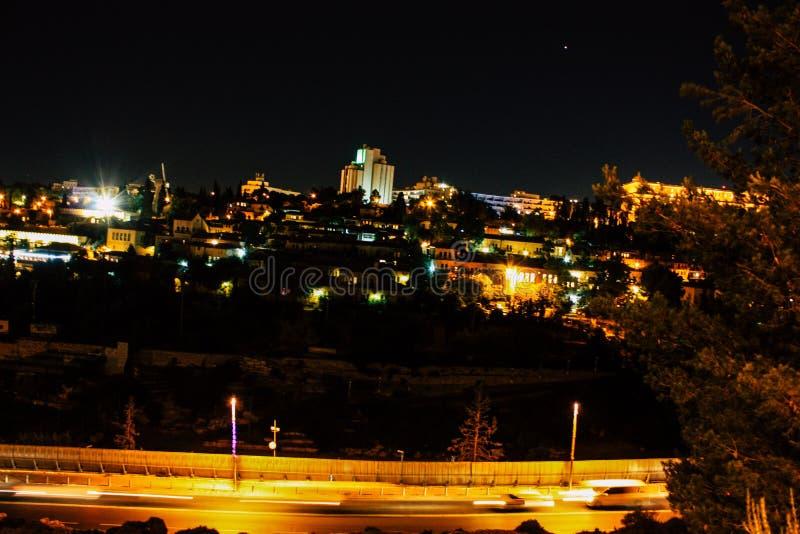 Jerusalén por noche imagen de archivo libre de regalías
