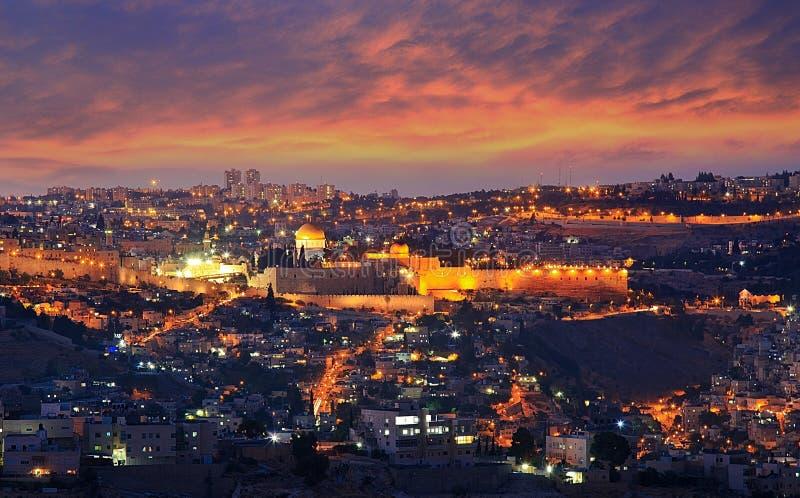 jerusalem Ansicht der alten Stadtmauern stockbilder