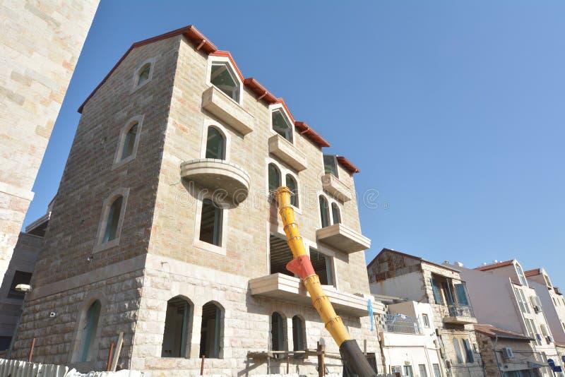 Jerusalem entsteinen Fassade auf wieder hergestelltem Gebäude in Jerusalem, Israel stockbilder