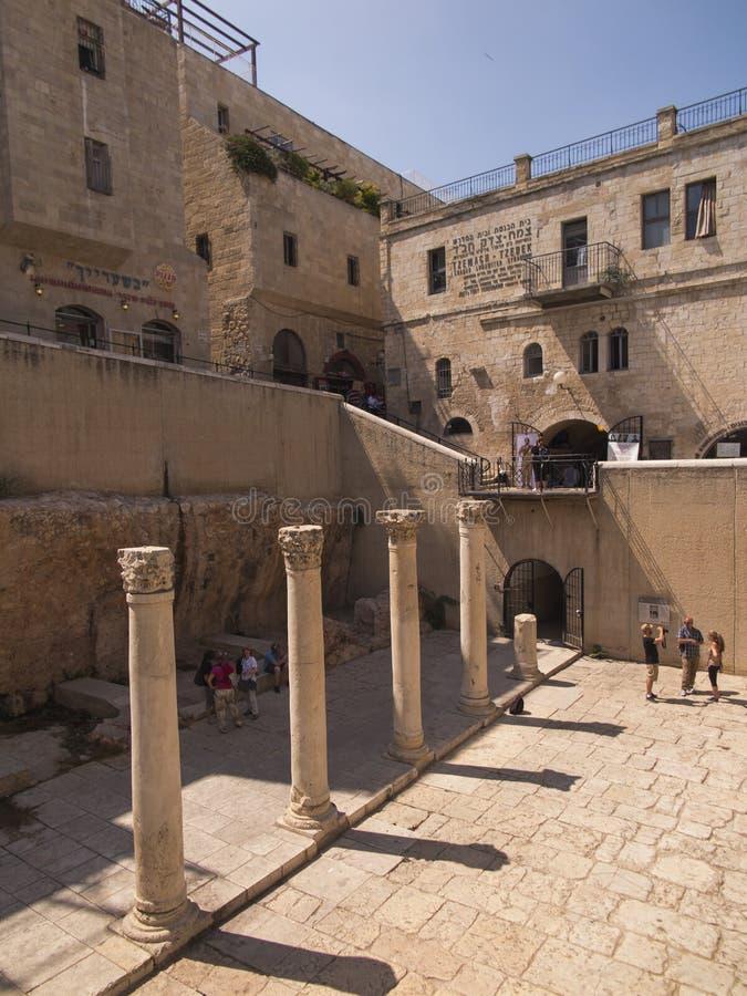 JERUSALEM, ISRAEL - JULI 13, 2015: Cardo Maximus, Roman Pillars Die Überreste von alte römische Säulen gelegen im jüdischen Viert stockfoto