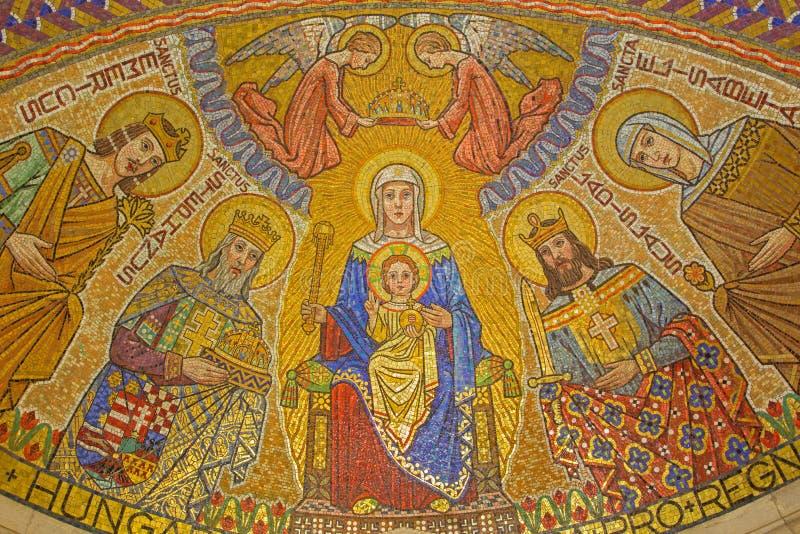 Jerusalem - mosaiken av Madonna i det ungerska kapellet (lägre kyrka) i den Dormition abbotskloster royaltyfri foto