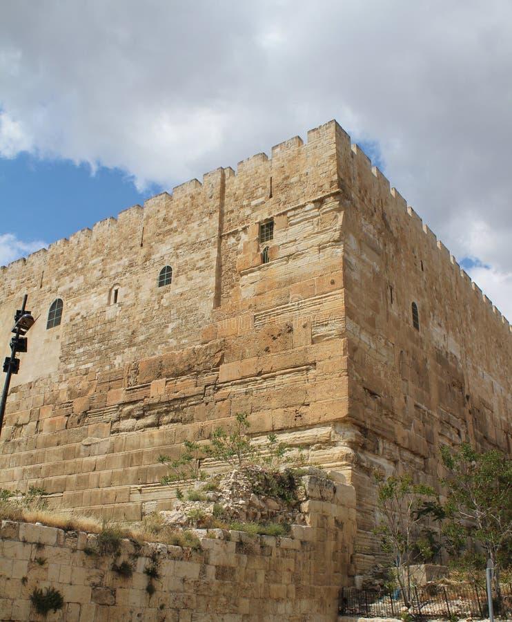 Jerusalem-Straße mit Festung, alte Stadt lizenzfreies stockfoto