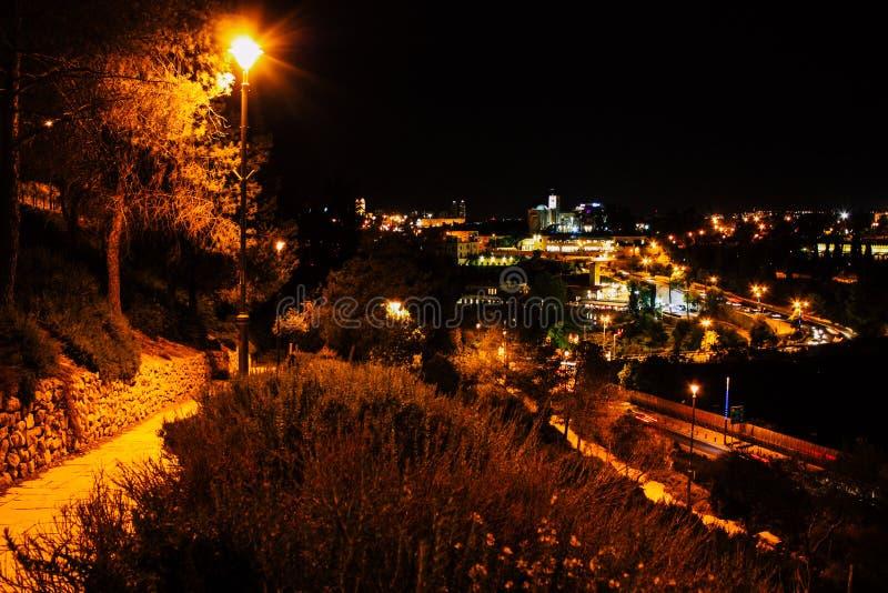 Jerusalem vid natt arkivbilder