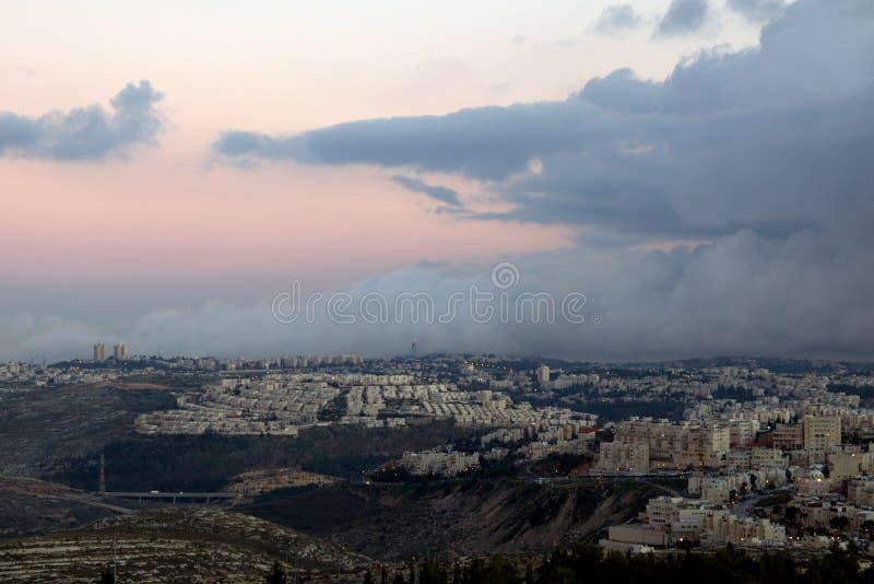 Jerusalem-Wolken lizenzfreies stockfoto