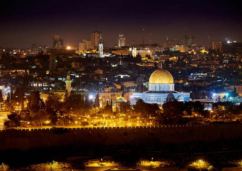 Jeruzalem bij nacht stock foto's