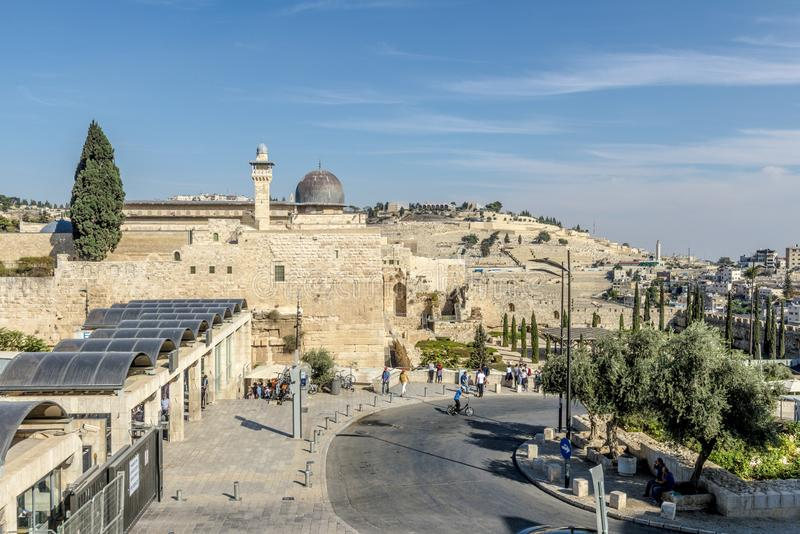 JERUZALEM de belangrijkste poorten en de vestingsmuren van de oude stad stock foto's
