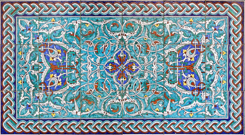 Jeruzalem - de betegelde decoratie in vestibule van St James Armenian kathedraal van eind van 19 cent stock foto's