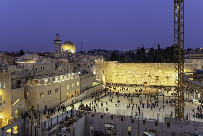 Jeruzalem, de oude stad van Israël bij de Westelijke Muur en de Koepel van de Rots Kotel in Stadsvernieuwing stock foto's