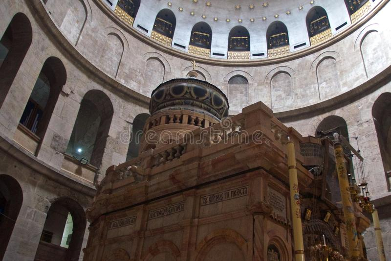 Jeruzalem, Israël - Maart 2018: Het bezoeken van Graf van Jesus Christ in Kerk van het Heilige Grafgewelf in de Oude Stad van Jer stock afbeeldingen