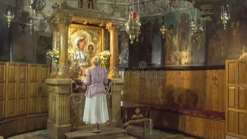 JERUZALEM, ISRAËL 21 SEPTEMBER, 2016: heiligdom in het graf van maagdelijke Mary in Jeruzalem stock fotografie