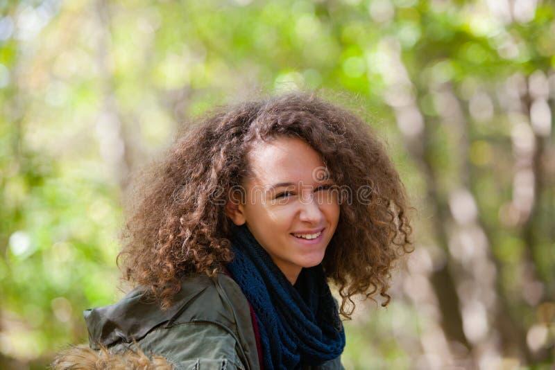jesień dziewczyny park nastoletni fotografia royalty free