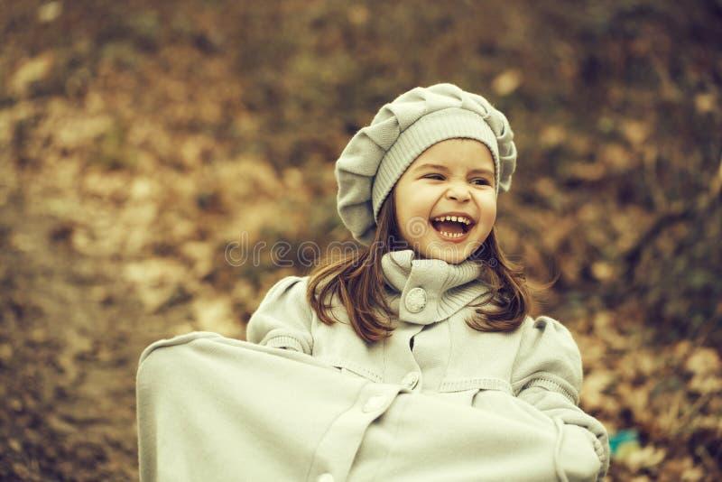 jesień dziewczyny trochę park zdjęcie stock