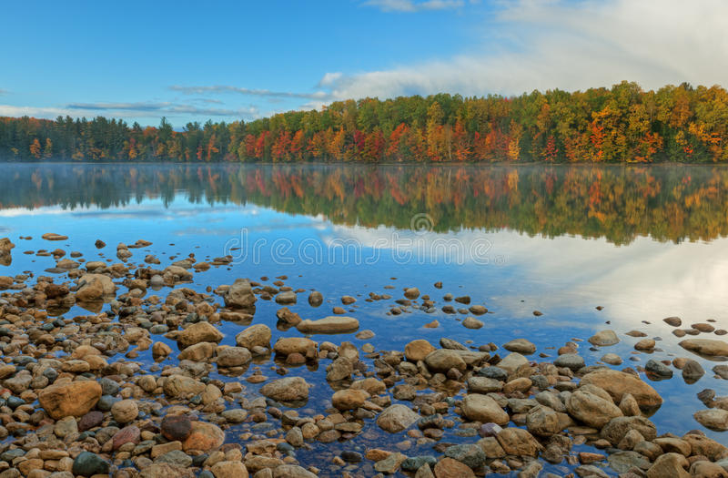 jesień jeziora kierpec zdjęcie stock