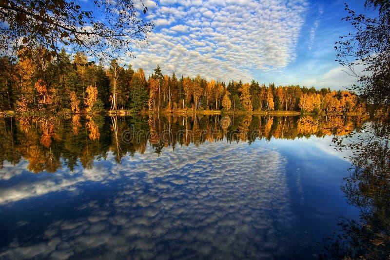 jesień jeziora panorama obrazy royalty free