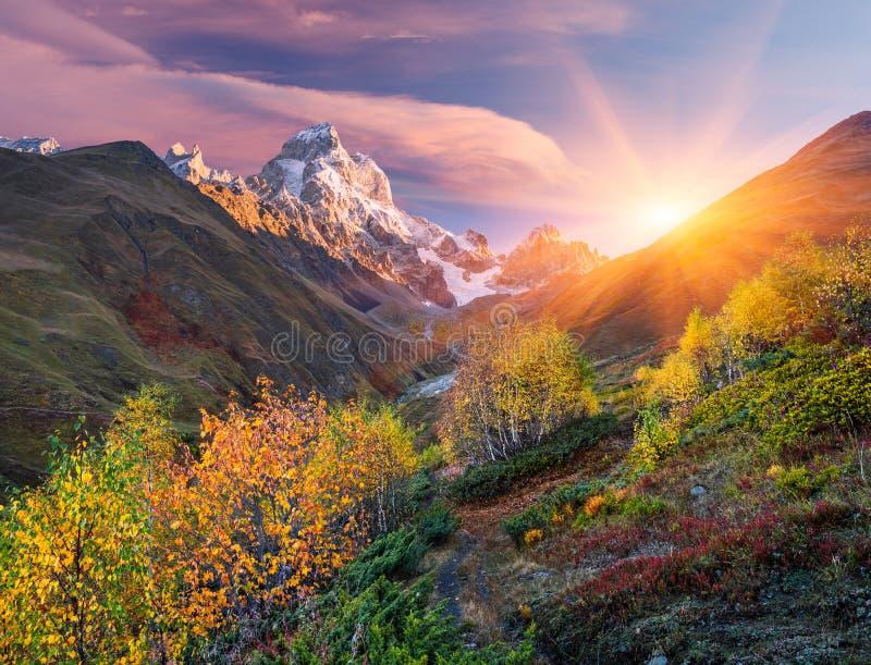 jesień krajobrazowy gór wschód słońca obrazy royalty free