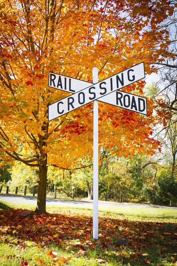 Jesień Linii kolejowej Skrzyżowanie Znaka obrazy stock